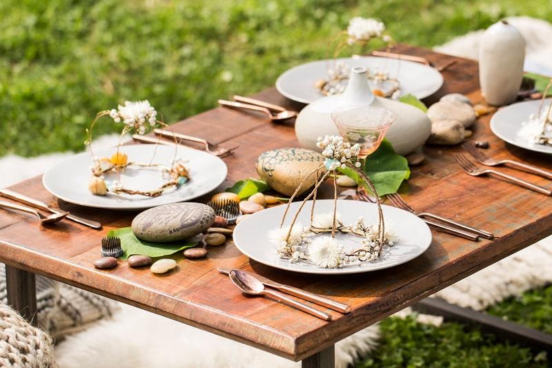 picnic table setting